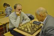 Фінальна гра за 3-4 місця. На 1-шій дошці грають Святослав Гнилоскуренко (ф-т КД) і Анатолій Руденський (ННІ ЕАЕ).