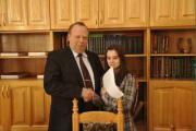 Ректор університету Д. Мельничук нагороджує на ректораті О. Шуліку