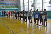 Учасники змагань 16 дівчат і 16 хлопців, які представляють 16 команд факультетів, ННІ, профкому студентів