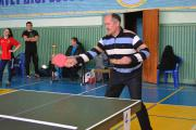 Майстерклас для студентів гри у теніс настільний дає проректор С. Кваша