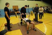 Змагання студентів з жиму штанги лежачи (2013)