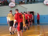 Дружні вітання між учасниками команд перед початком гри