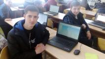 Мандрика В. та Гречаний Я. разом з їхніми друзями-ноутбуками
